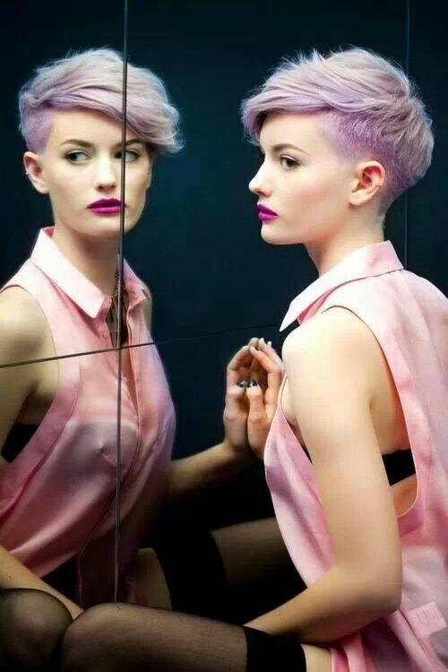 fryzura-krotka-rozowe-wlosy